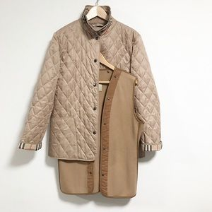 Burberry. Classic quilted jacket. Tan / taupe.